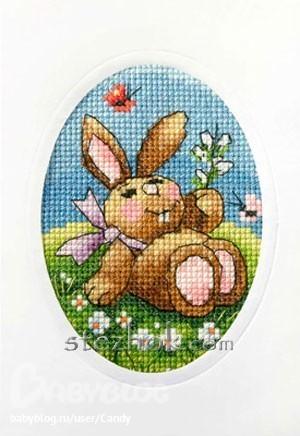 """""""Пасхальный кролик и бабочки """".  Канва с рисунком и картонная основа открытки в набор входят.  Прод. ед."""