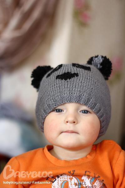 шапка панда спицами.